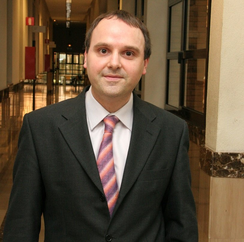 "THE PROFESSOR OF EU MEDITERRANI JF FONDEVILA ELECTED GUEST EDITOR OF ""ELECTRONICS"""
