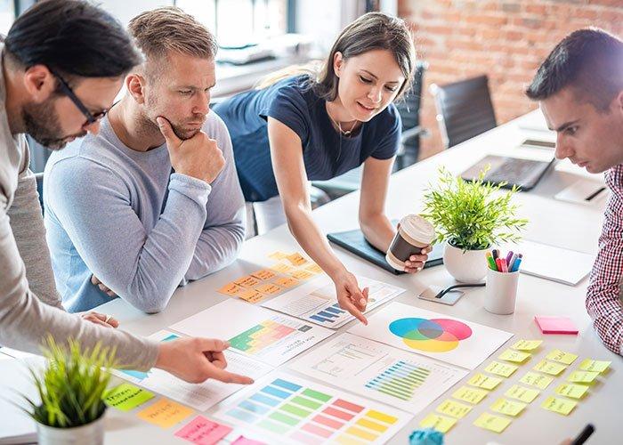 ¿Cuáles son las principales funciones del Departamento de Marketing?